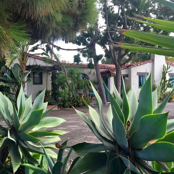 Charming Historical Beach Casita! Has Parking And Cable