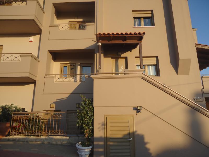 For Rent, Maisonette, Chania , Akrotiri, 120sq.m , 2 level/s ,3 Bedroom/s, 1 bath/s, 1 WC...........