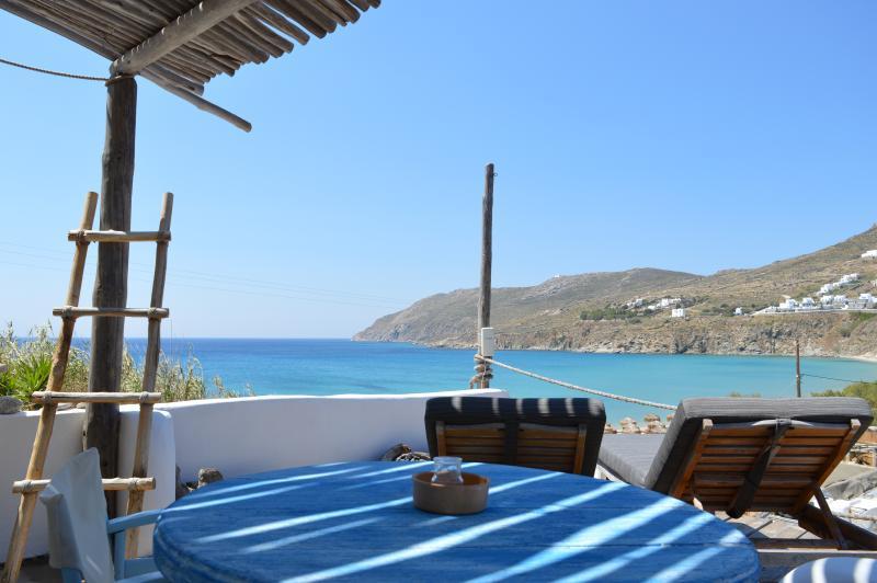 STUDIO FOR 2 GUESTS (SEAVIEW) NEXT TO BEACH, Ferienwohnung in Kalo Livadi