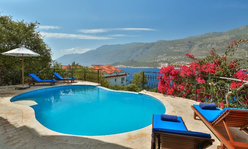 Villa Meena, large luxury 4 bedroom villa – semesterbostad i Kas