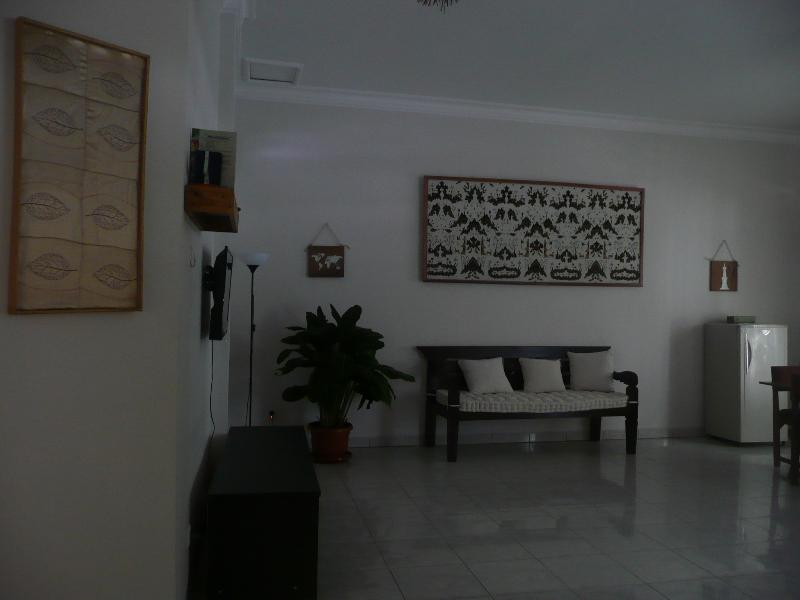 Spacious common room, with Javanese sofa (risban) where you can relax, play or watch cable tv