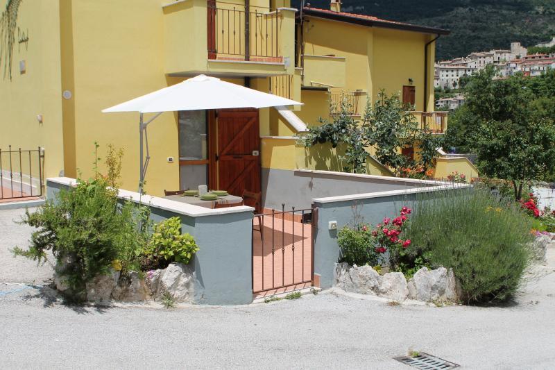 ingresso con terrazzo