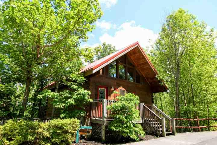 Welcome to The Great Escape! A beautiful two-bedroom home in the heart of the smokies!