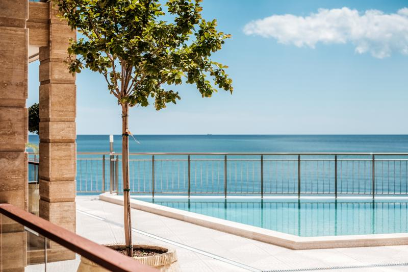 Cabacum Plaza 1 bedroom apartment at the Seaside, holiday rental in Golden Sands