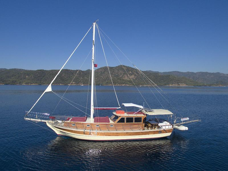 Akar H Yacht with 3 cabins up to 7 people, vakantiewoning in Gocek
