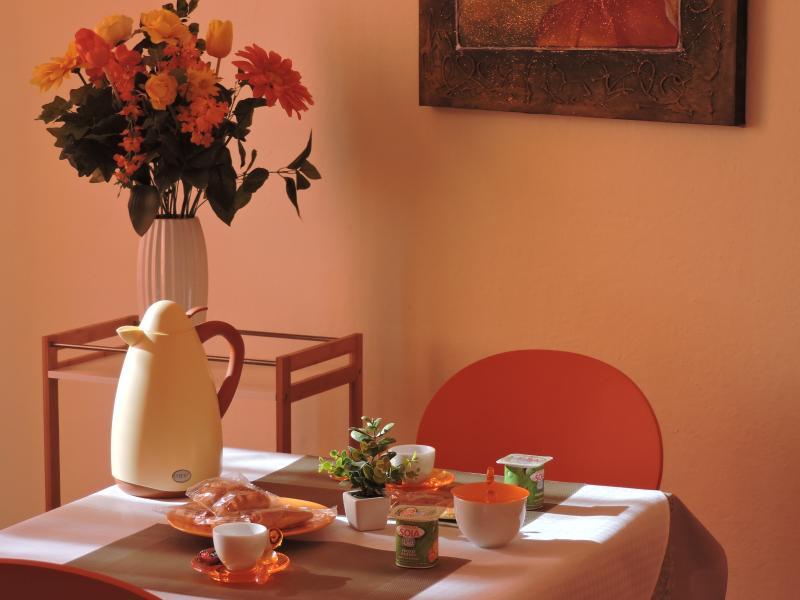 camera con bagno interno, camera con bagno esterno a uso esclusivo (no cucina), holiday rental in Pirri