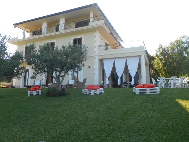 Villa al mare sulla Costa dei trabocchi, alquiler vacacional en Fossacesia Marina
