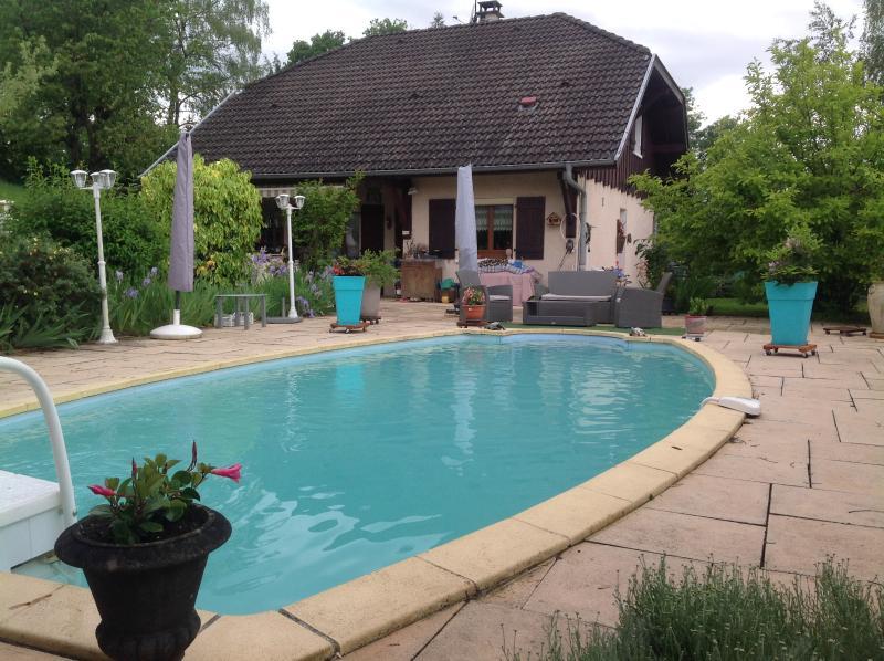 Villa avec piscine à 8 kms d'Annecy