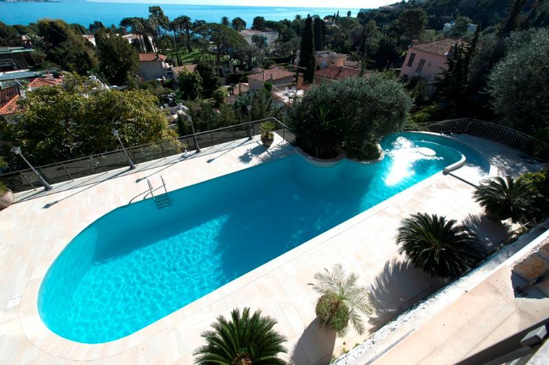 Swimming pool 20m*8m