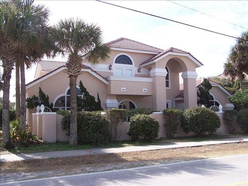 Chateau La Playa- Gorgeous Pool Home, vacation rental in Ponce Inlet