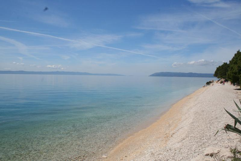 Shingle beaches only 5 min away by foot from the villa
