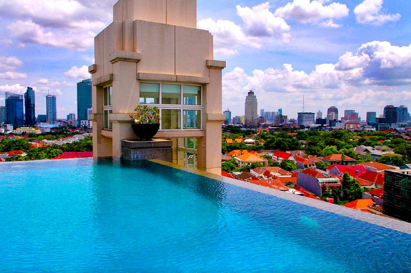 roof-top infinity pool