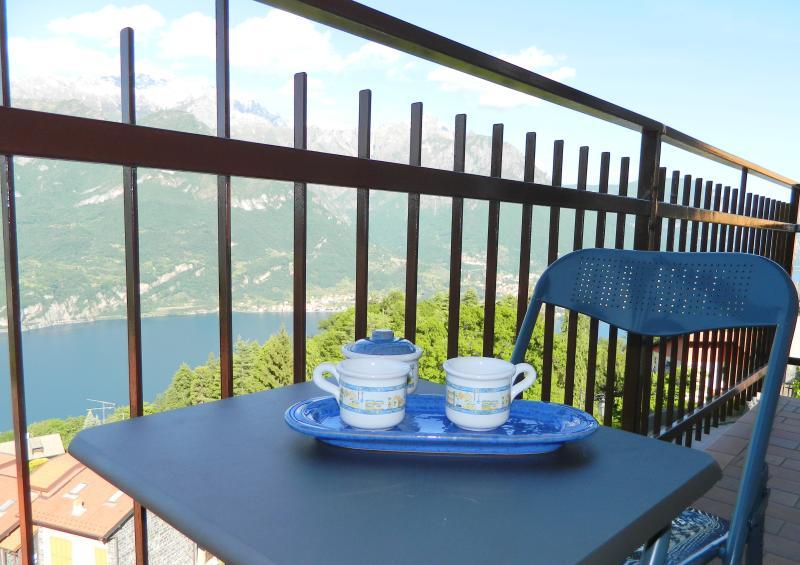 Casa Bellavista lake view 10 min from Bellagio, holiday rental in Magreglio