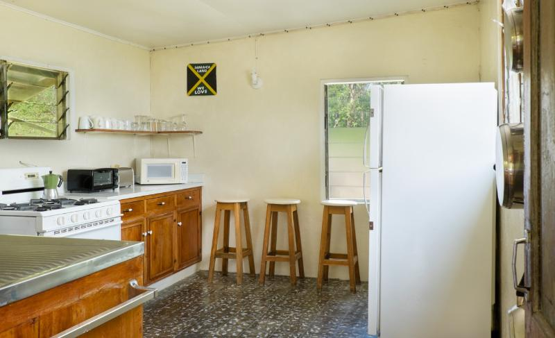 Retreat Plantation House - kitchen 1