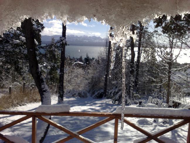 Vista al lago Nahuel Huapi desde el deck