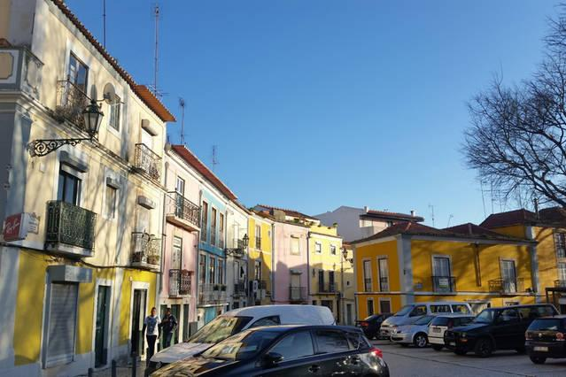Spacious central 2 bedroom balcony flat, holiday rental in Setubal District