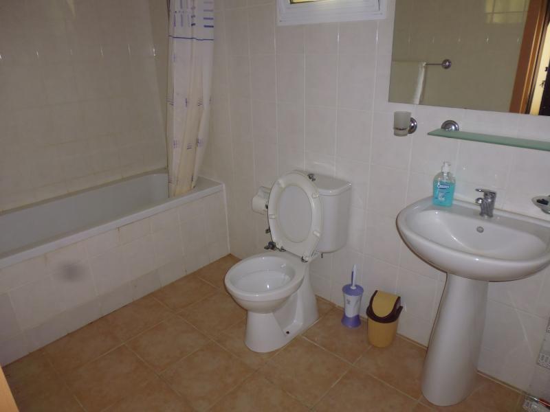 Ground floor master bathroom.