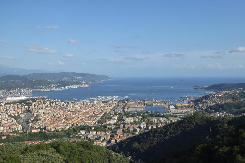 IL RICCIO TRA I CASTAGNI, casa vacanza a La Spezia