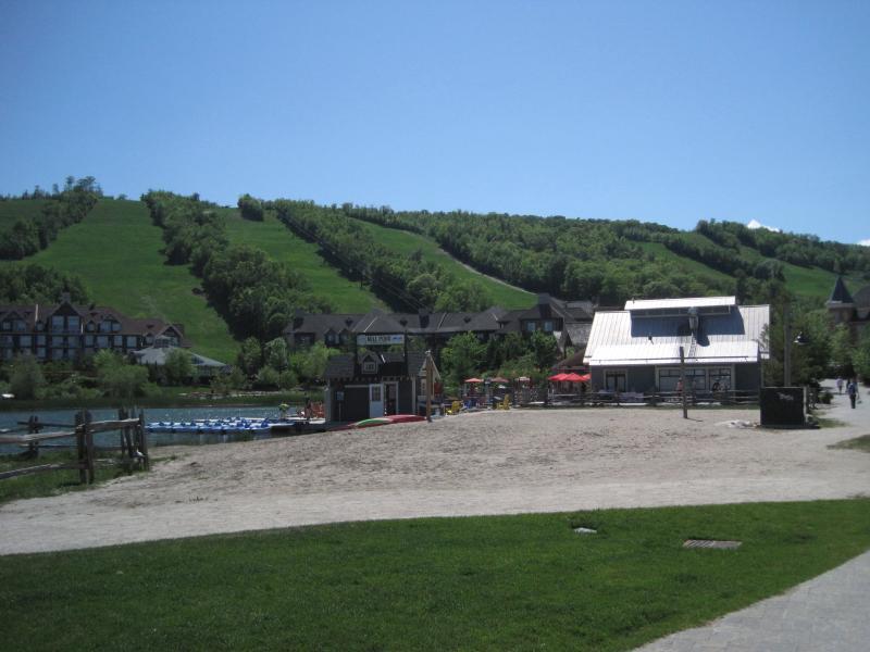 Blue Mountain Village on 8min Drive!!