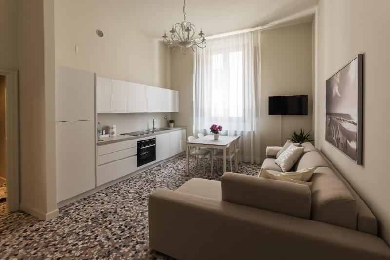 Alighieri Theatre Charming Suite, holiday rental in Province of Ravenna