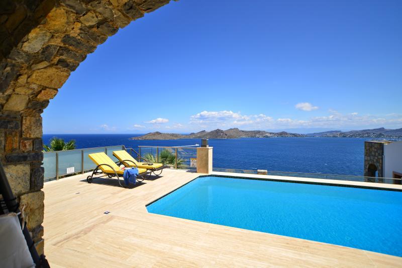 Aegean 220 Family Holiday Villa. Yalikavak Bodrum, holiday rental in Bodrum District