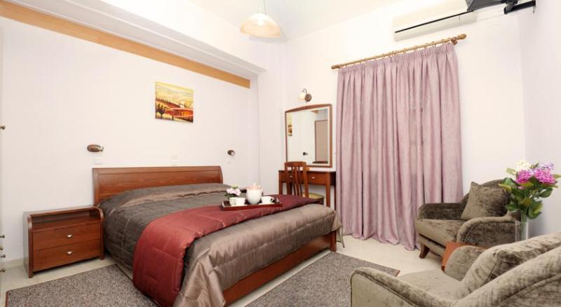 Rooms at Villa Plaza are all air conditioned and with a TV, mini fridge, bathroom and shower.