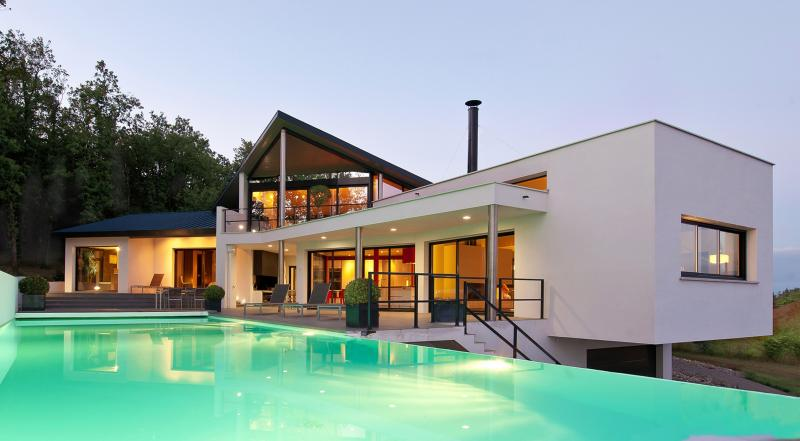 Contemporary Architect house, holiday rental in Beauzelle