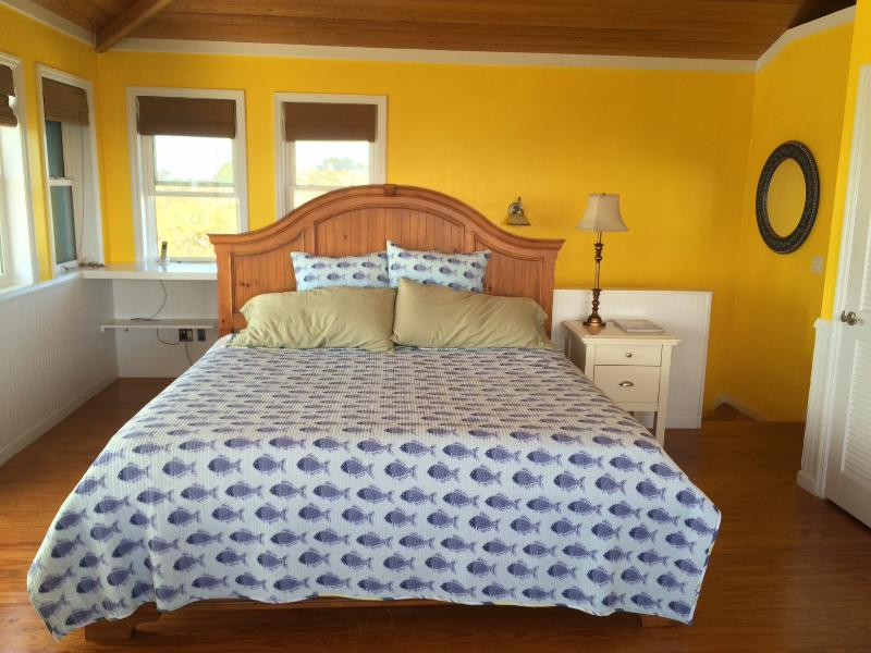 Master Bedroom on Top Floor with King Size Bed, Private Deck, Ocean View
