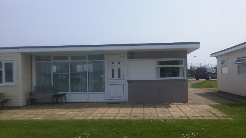 Self Catering Chalet at Camber Sands Holiday Park, holiday rental in Rye