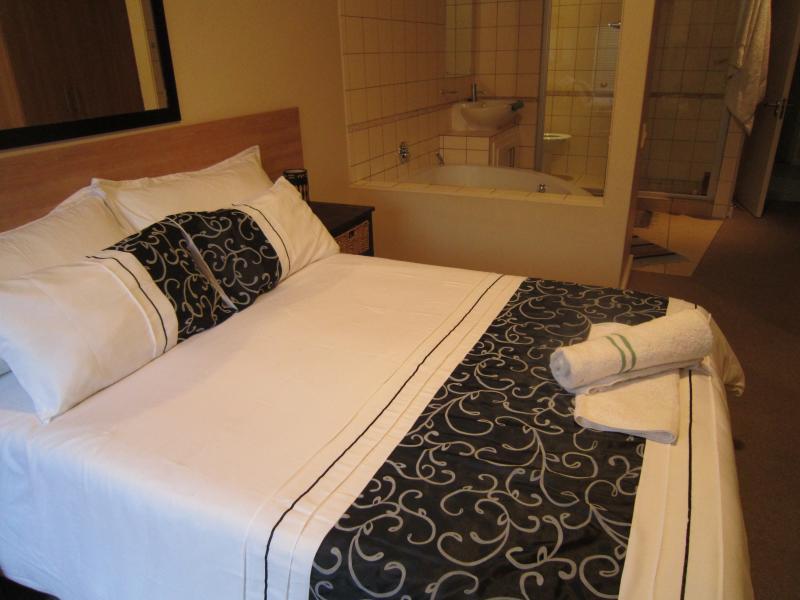 Main Bedroom with en_suite