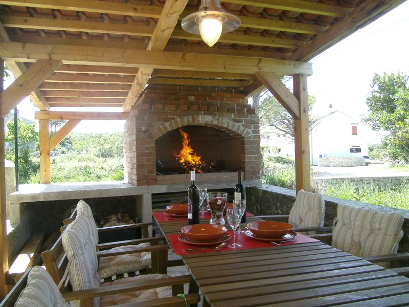 Bankovichouse Stivan@islandcrescroatia, holiday rental in Stivan