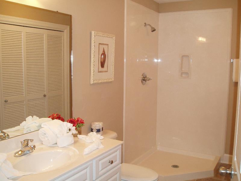 Hall/4th. Bathroom w/shower, toilet & vanity