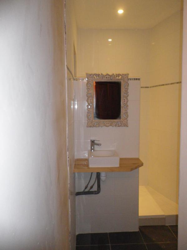salle d'eau chambre 5