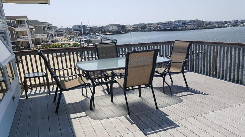 Sunsets on the Bay and Close to the Beach, holiday rental in Manahawkin