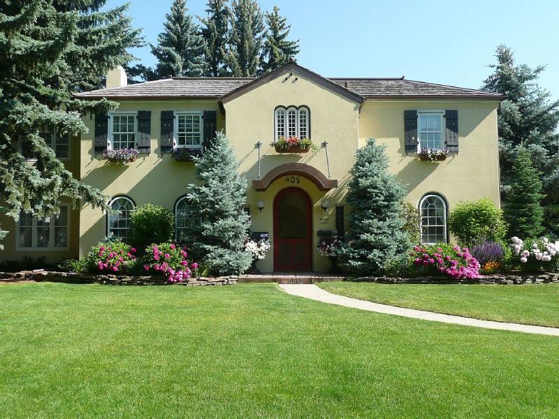 The Montana Villa in summer.