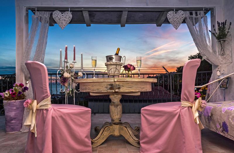 Luxury accomodation in vintage coastal villa, aluguéis de temporada em Dugi Rat