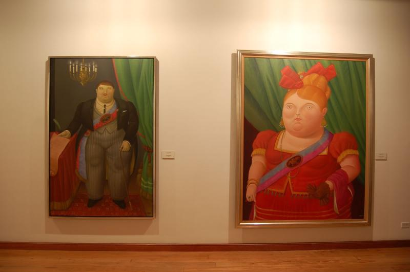 Explore the Botero Museum and at the end of the route enjoy the PLEASURE  of a soft Colombian Coffe