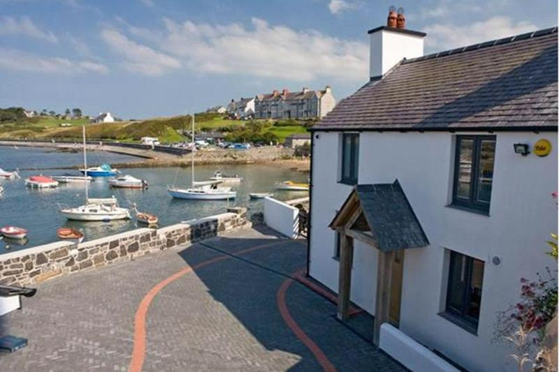 Ty Lawr, vacation rental in Cemaes Bay