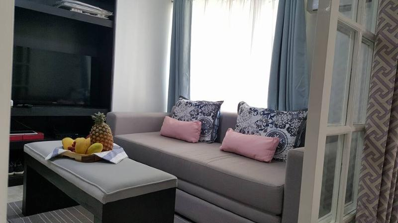 Clean, convenient condominium designed for your comfort, holiday rental in Taguig City