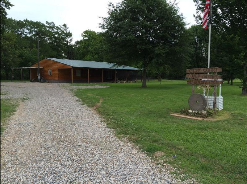 Grist Mill Lodge, holiday rental in Ferriday