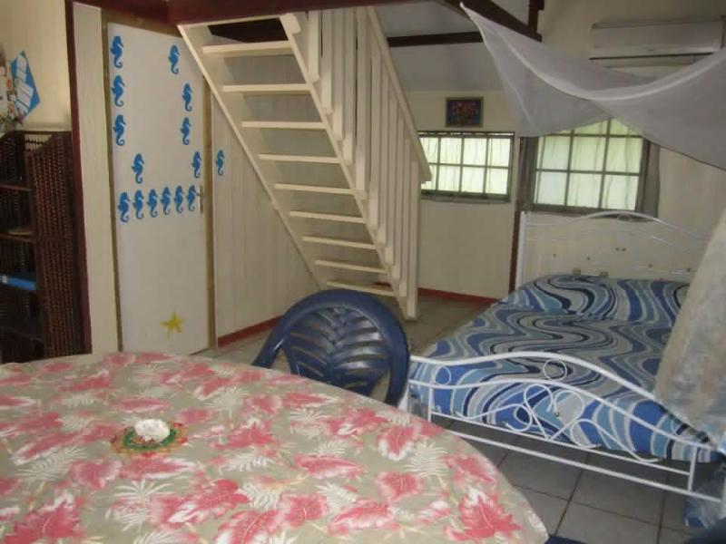 3 materrass on carpet upstairs + 1 doublebed in living