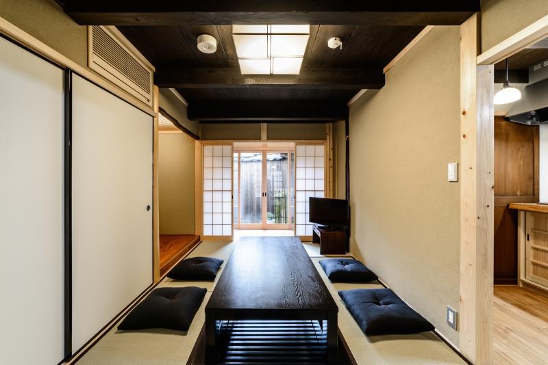 Spacious traditional house x 5min walk to Nijo CASTLE x 2Bedroom, 2Toilet x WiFi, vacation rental in Otsu