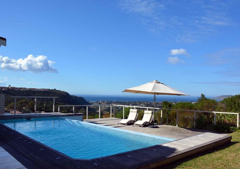 Plettenberg Bay Villa Rim flow swimming pool with sea views