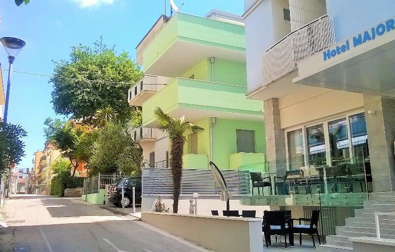 Residence Diffuso Arcobaleno Appartamento M39, vacation rental in Gabicce Monte
