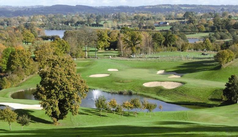 Lake Datthe golf course