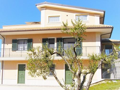 Diamante House 763, holiday rental in Colfelice