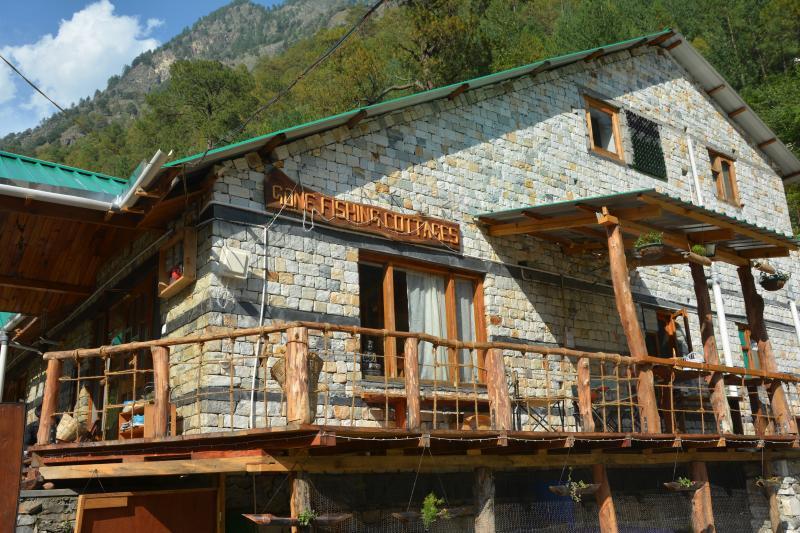 Gone Fishing Cottages- Cottage No. 1, alquiler vacacional en Kullu
