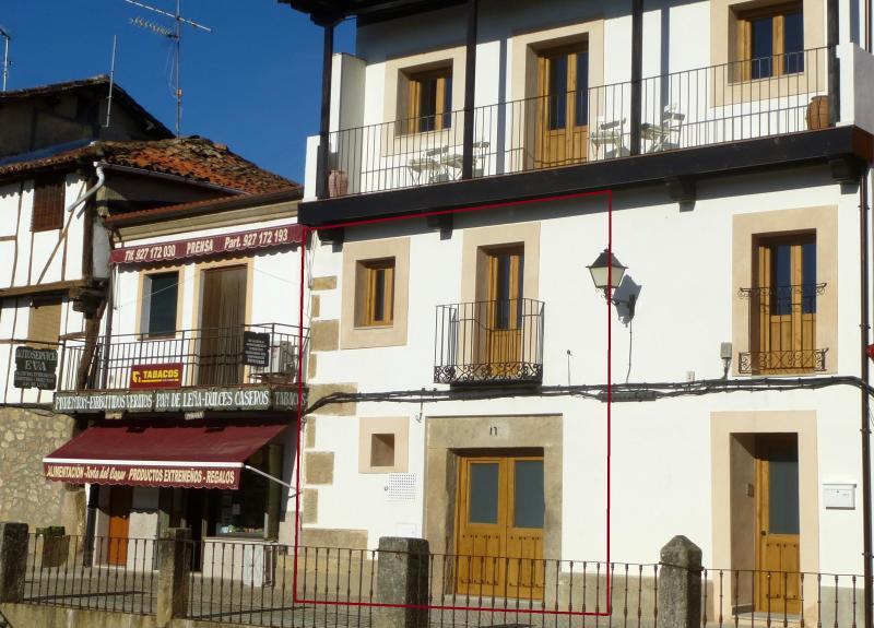 Apartamentos rurales Entre Fuentes 1-4 personas, holiday rental in Cuacos de Yuste