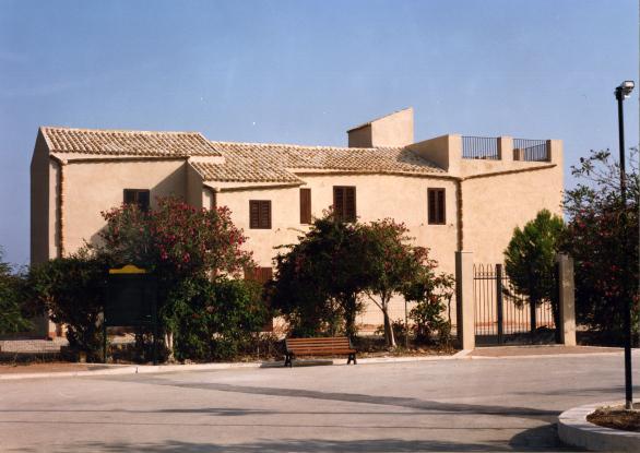 Casa natale Luigi Pirandello  (5 km)