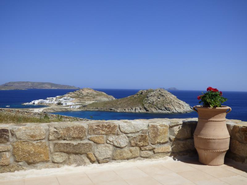 Mykonos villa, imaginary view, perfect for families, holiday rental in Kalafatis